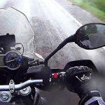Aman Berkendara Motor Saat Hujan