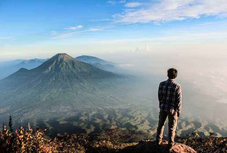 Suka dengan Naik Gunung? Coba Rasakan Suasana Gunung Sumbing