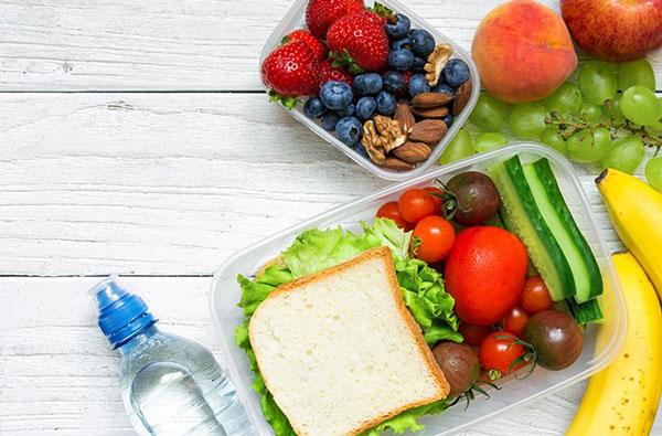 Konsumsi makanan dan minuman untuk menjaga kesehatan gigi